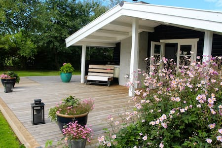 Charming summerhouse - Tisvilde - Tisvildeleje - Бунгало