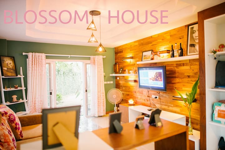 BLOSSOM HOUSE - Mueang Chiang Mai District