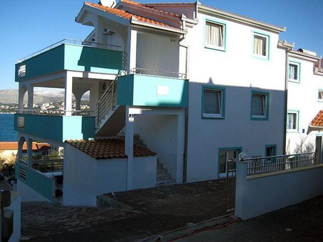 Apartments Villa Silva / One bedroom A3 - Okrug Gornji - Apartment