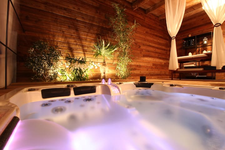 Chambre D Hotes Avec Spa Privatif Bed And Breakfasts For Rent In