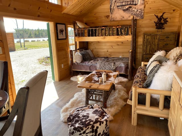 Waterfront Glamping Cabin-sleeps up to 5 people!
