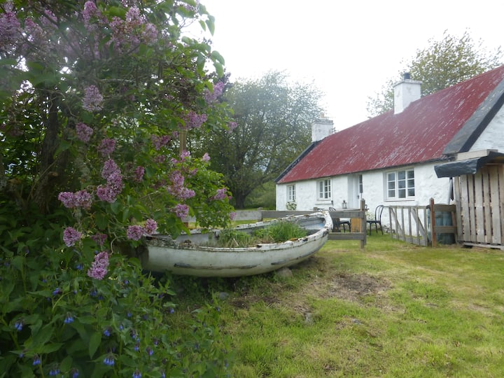 Peaceful country Cottage 10 minutes from Inverness