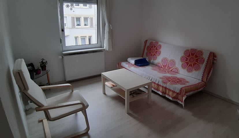 Room for overnight close to center * Females only*