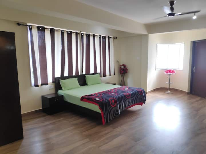 1 BHK hotel room with pool in Goa