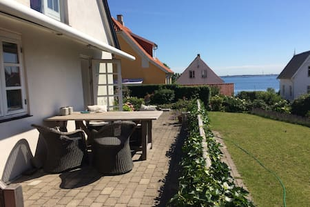 House with sea view - Helsingør - Villa