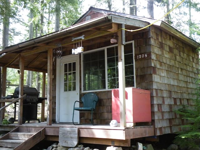 "Little Cabin in the Woods ""The 1208"" - Sagle"