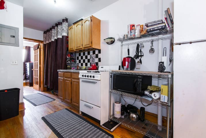 Live Spacious in WBurg ★ Parking and Comfy Bed ★