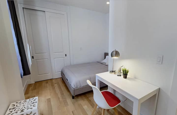 SUPER DEAL! PRIVATE ROOM WITH FULL BATHROOM