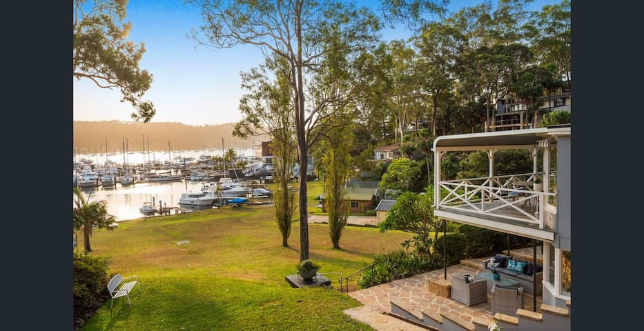 Paradise at Pittwater - with private Jetty