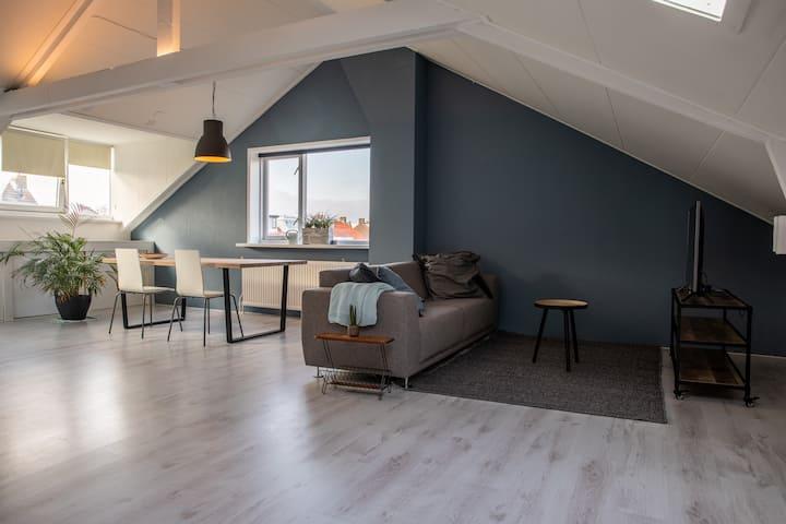 Licht appartement van 65m2 in centrum Castricum