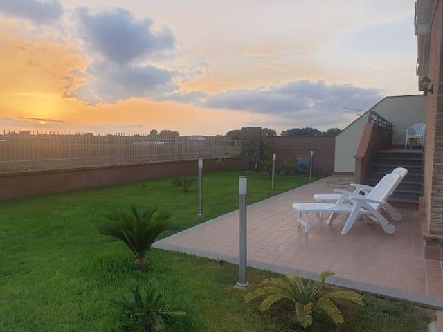 Bellissima villa a Sabaudia in contesto signorile