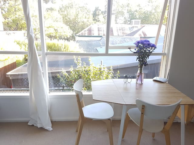 Great home base in a green, hip neighborhood - Fitzroy North - Wohnung