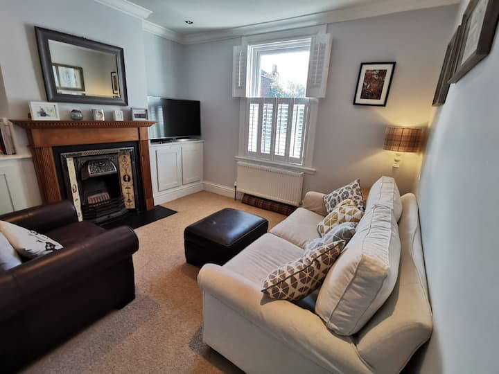 NEW Spacious 3BD House Tunbridge Wells Sleeps 7!