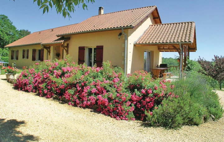 Awesome home in Rouffignac with WiFi and 3 Bedrooms