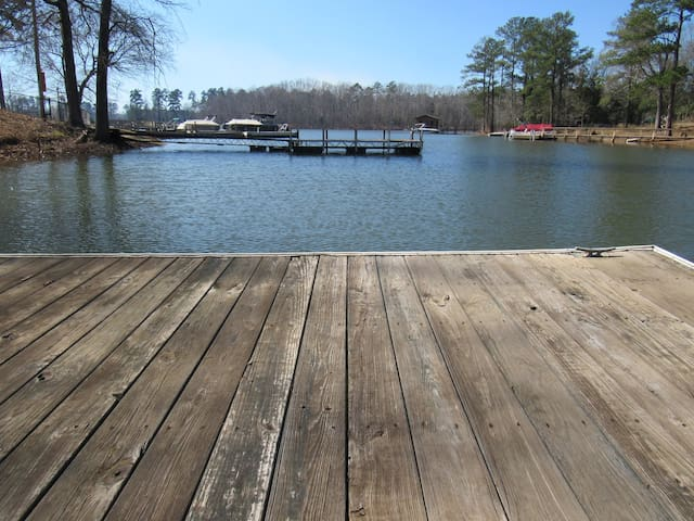 Lakeside Bungalow on Lake Murray - Chapin - Guesthouse