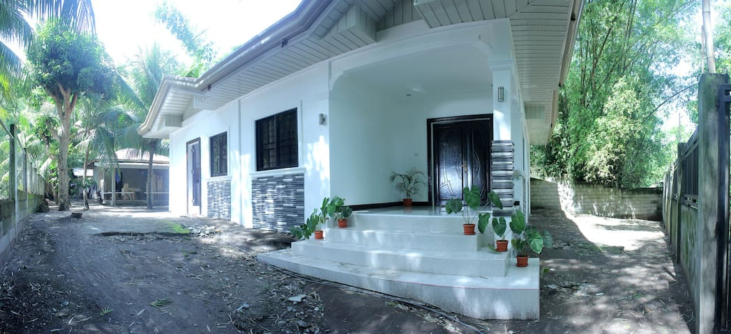 Newly Built Vacation House in Bacong - Dumaguete