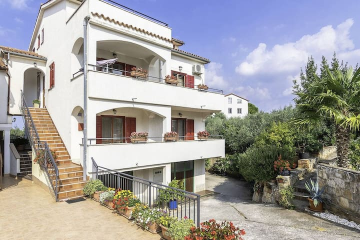 Apartment on the ground floor, 3 km from the beach at Lanterna