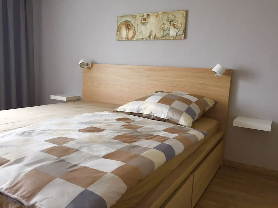 Das große Doppelbett (Liegefläche 180 x 200 cm)