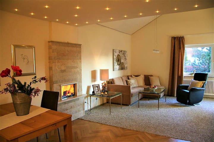 """Hotel """"Am Rehberg"""" garni, (Lindau am Bodensee), Komfort Suite, 93qm, 2 Schlafzi., Sep. Wohnraum, 2 Balkone, Bad und Dusche, sep. WC"""