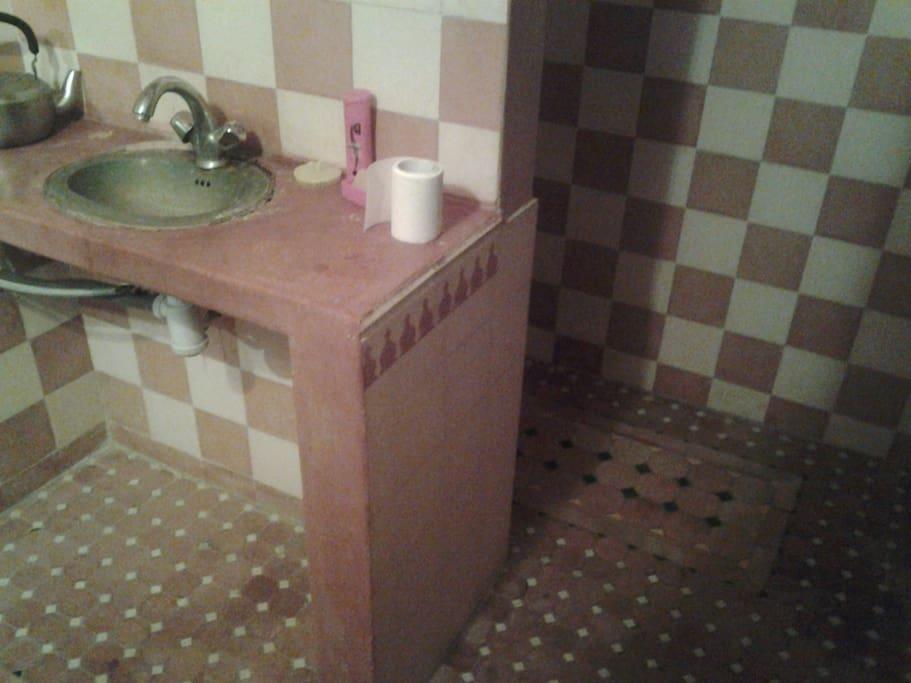 Sale de bain marocaine