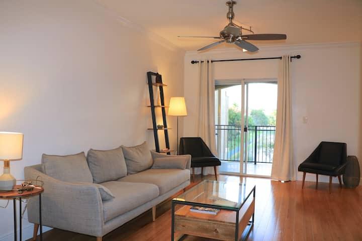 Beautifully renovated apartment in Pembroke Pines