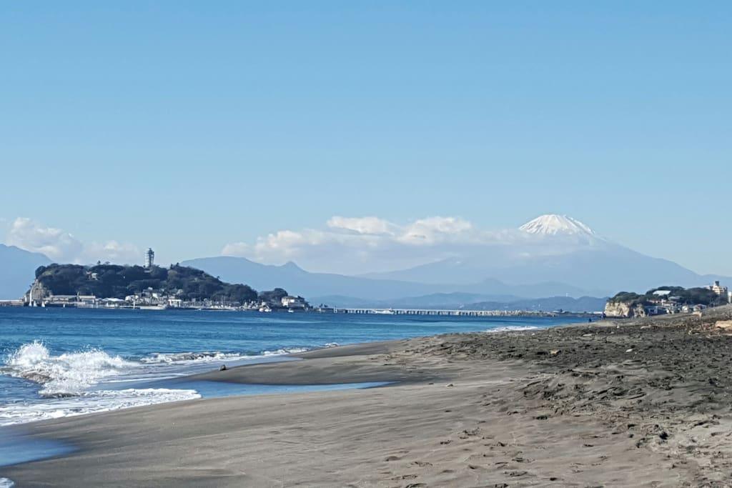 Inamuragasaki Beach with a view of Enoshima & Mt.  Fuji