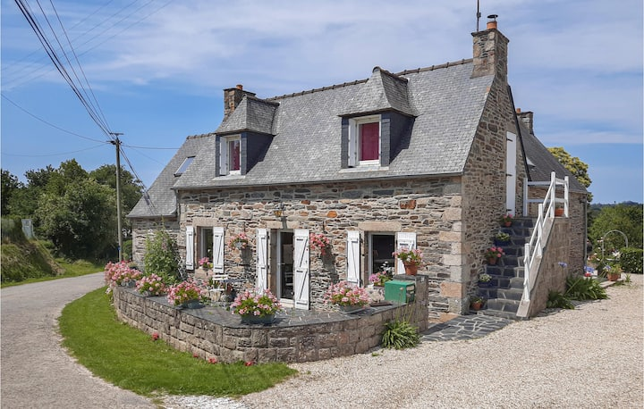 Nice home in Morlaix with WiFi and 3 Bedrooms