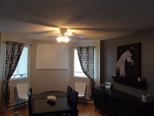 Cute Stylish and Comfy Apartment! Family Friendly!