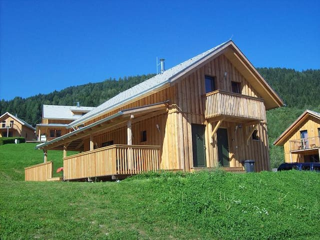 Chalet in Austrian Alps - Sleeps 10 - Paal - Talo