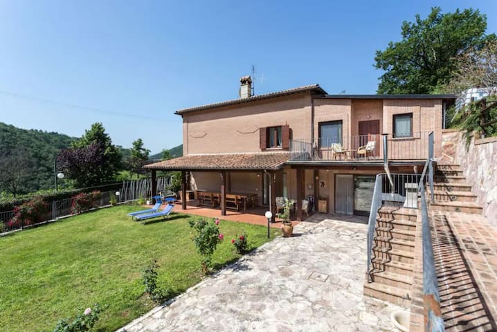 Spacious house in Casigliano