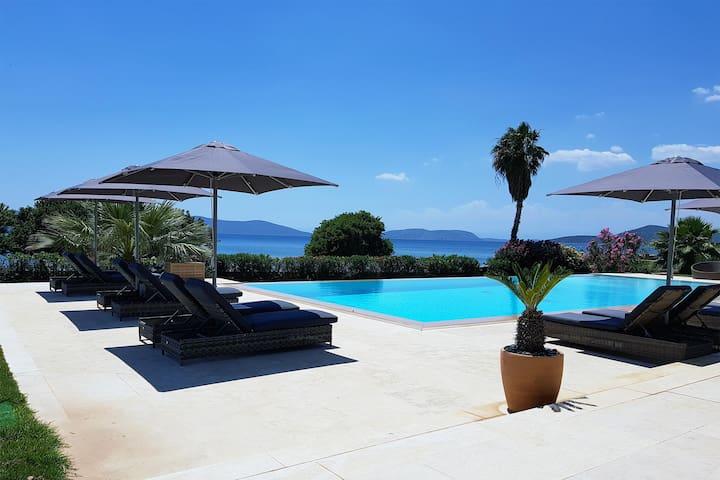 Poros Suite at Thermesea Luxury Lodge