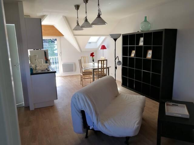 Appartement neuf de 2 chambres près du tramway