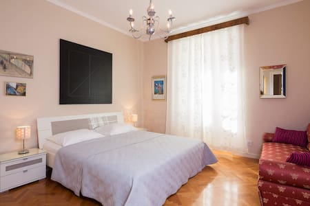 Gorgeous&large&comfortable beach apartment - Split