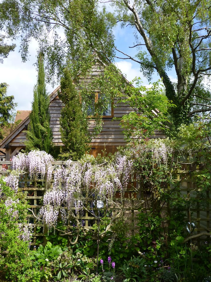 Wisteria Lodge just outside the city of Oxford.