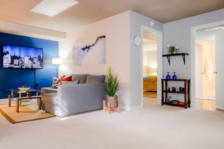 Cozy and Elegant  Retreat