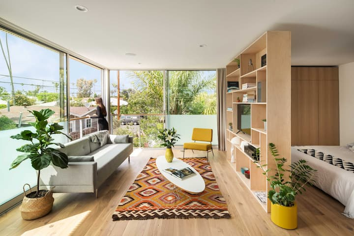 Contemporary Studio Loft in the heart of Venice