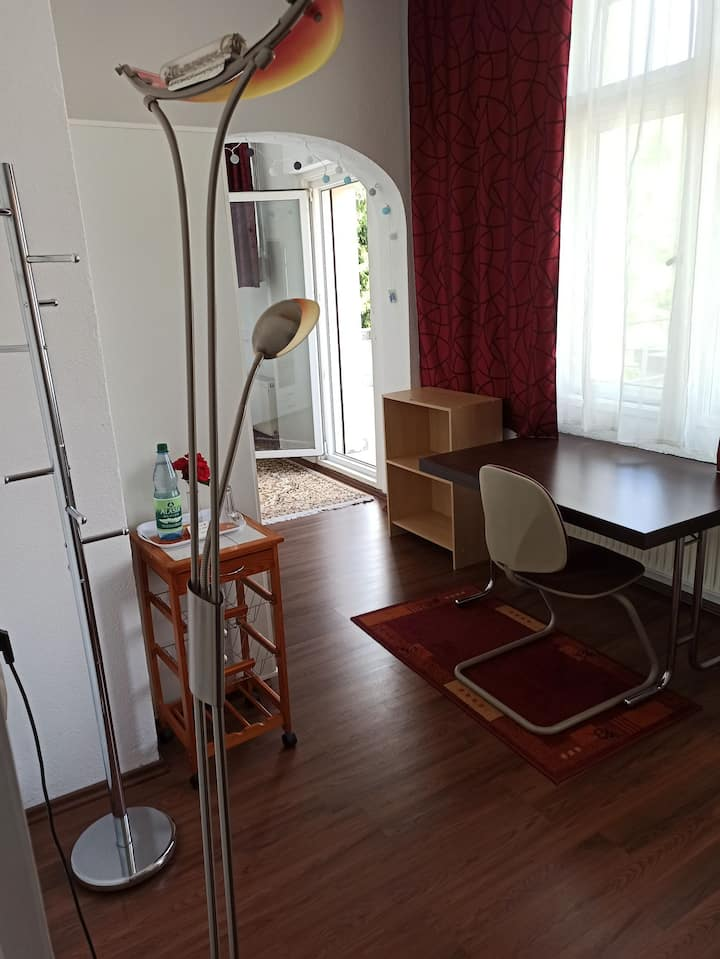 Balkonzimmer in nostalgischer Villa