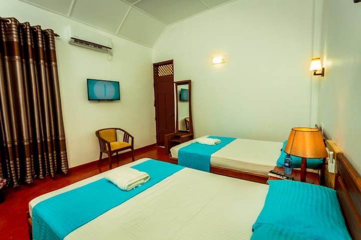 Room # 104 2 Double Beds Room