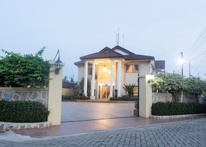 Junior Suite located in a central area of Accra