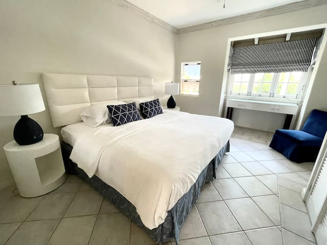 Third bedroom with a king size bed! This bed can convert to two twins, please let me know if this is required for your stay.