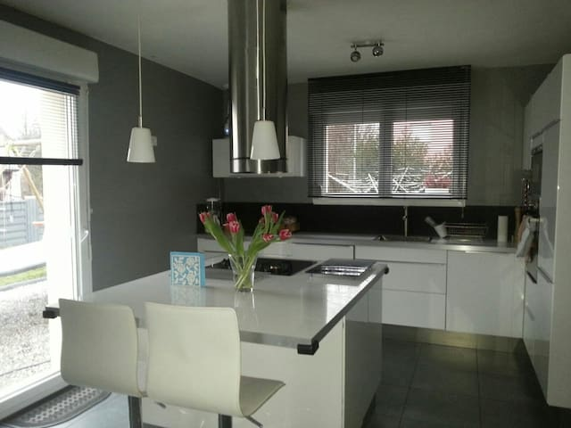 Modern and cozy house near basel - Hégenheim - Rumah