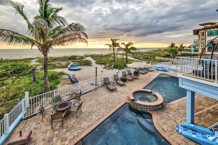 Oceanfront Villa! Private resort! Beach access