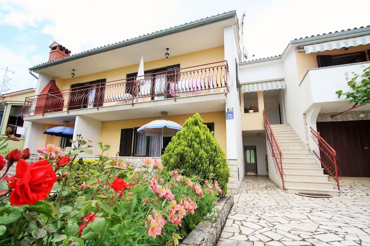Neat apartment in Porec an ideal location; beach 400 m and the center 1 km