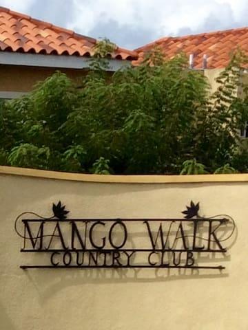 MANGO WALK Luxury gated townhouse vacation rental