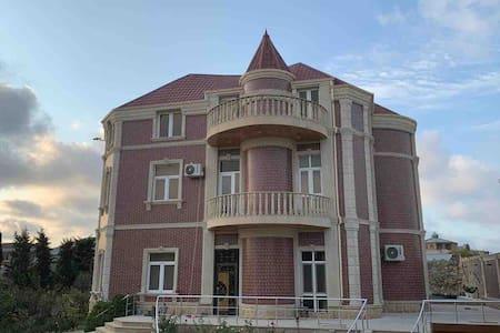 Luxury Villa in Mardakan  Вилла с бассейном