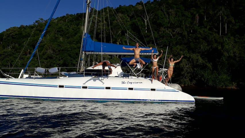 Catamaran live aboard Ilha Grande, Angra.