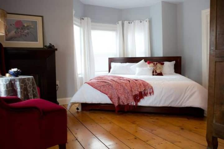Red Mahone B&B, Guest Room Maggie