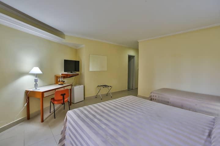Hotel San Michel  - região tranquila do centro.