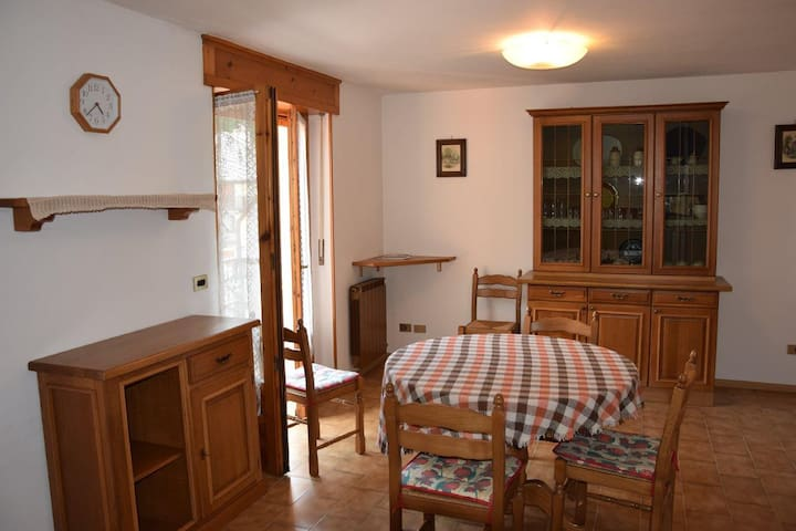 Valle di Gressoney (AO), Issime mansarda - Fontainemore - Apartament