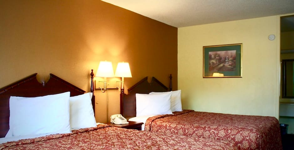 Private Room in Monroe, NC with 2 Deluxe Beds